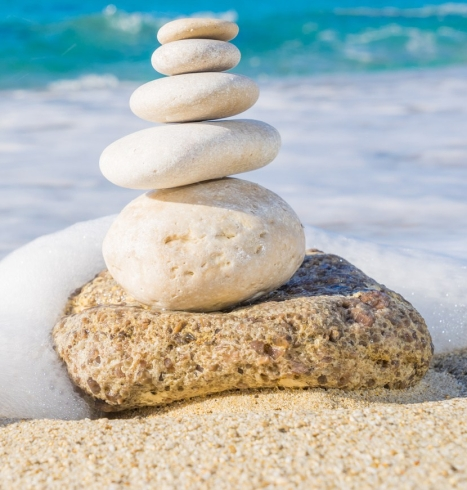 ocean-stone-pyramid-on-beach-fotolia_94897402_subscription_monthly_m.jpg